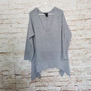 Lane Bryant Long Sleeve V-Neck Gray Shark Bite Kni